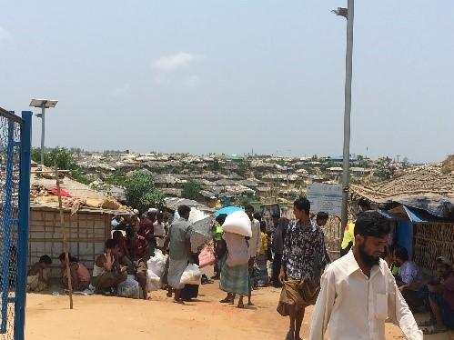 ロヒンギャ難民キャンプの様子