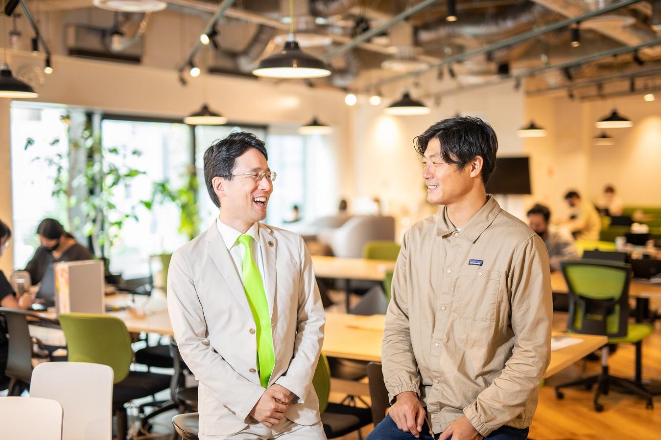代表取締役社長 出雲充 と 取締役代表執行役員CEO 永田暁彦